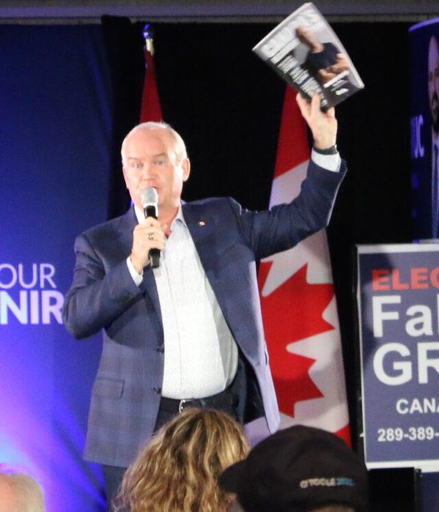 Erin O'Toole – Le chef des Conservateurs du Canada. Le plan dé rétablissement du Canada Agir pour l'avenir - Photo Mosaic Edition Edward Akinwunmi